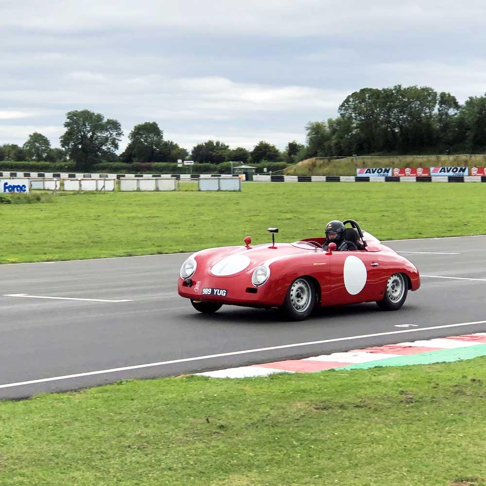 Porsche-356-Speedster-Track